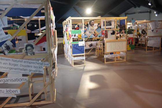 Ausstellung dreier Transformation-Boxen in der Gedenkstätte Point Alpha, Geisa