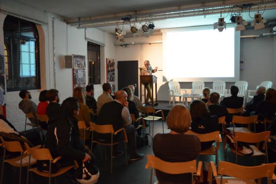 Einführung in das Projekt durch Dr. Martin Kirsch (Vorstandsmitglied translations e.V.) in der Literaturwerkstatt der Kulturbrauerei, Berlin